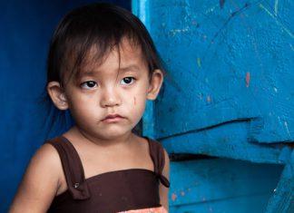 asian girl in poverty